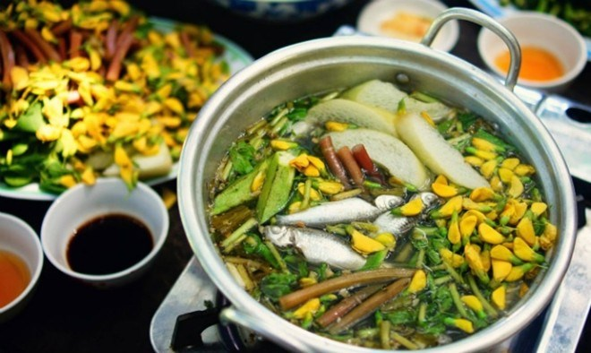 Hotpot of Linh Fish and Dien Dien Flowers